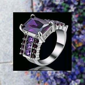 💜Sz 8 Amethyst and Spinel Tungsten Ring💜